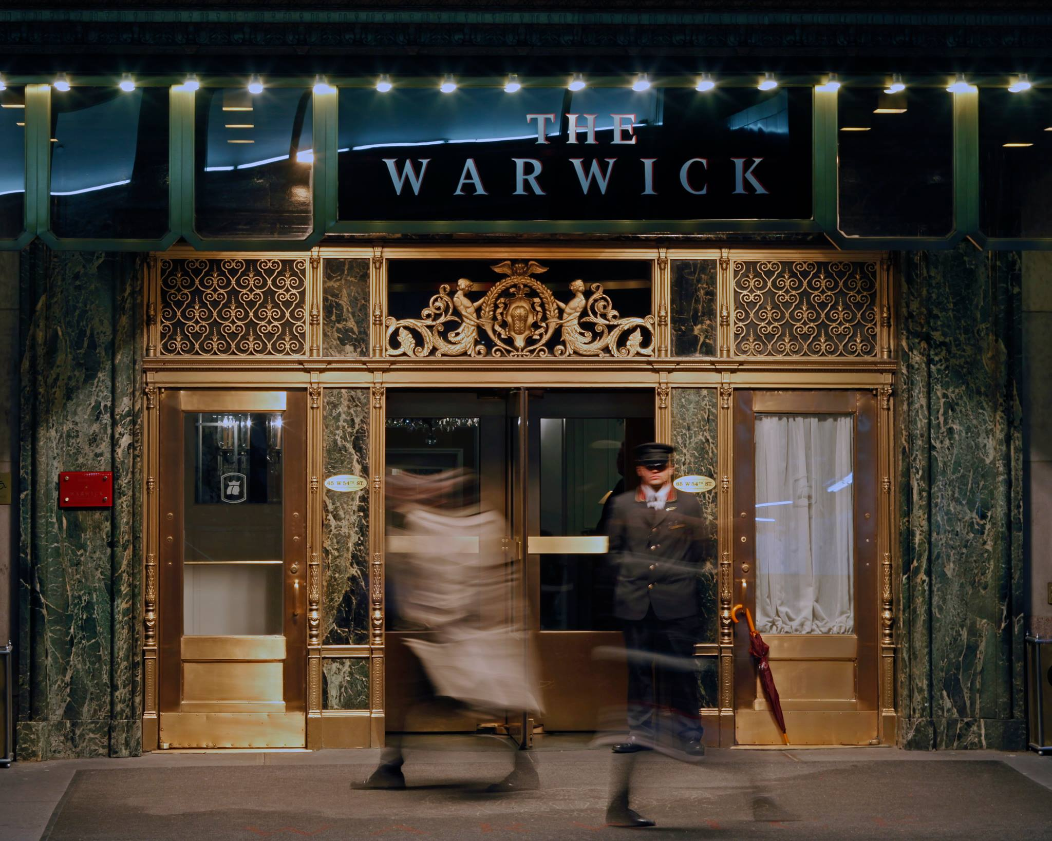 Image of the Warwick Hotel in NYC